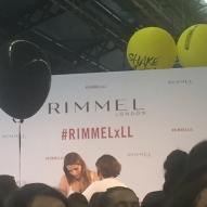 Emma CakeCup, 1,1 million d'abonnés, est e-égérie Rimmel